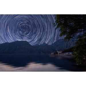 フリー写真, 風景, 渦巻き状, スタートレイル, 長時間露光, 星(スター), 夜, 山, 海, モンテネグロの風景