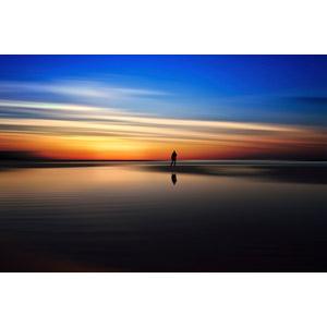 フリー写真, 風景, 海, ビーチ(砂浜), 夕暮れ(夕方), 夕焼け, 人と風景, シルエット(人物)