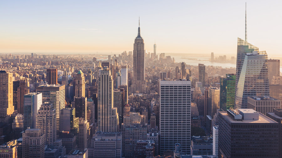 フリー写真 エンパイア・ステート・ビルディングとマンハッタンの街並み