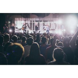 フリー写真, 人物, 人込み(人混み), 観客, 音楽, コンサート(ライブ), ミュージシャン