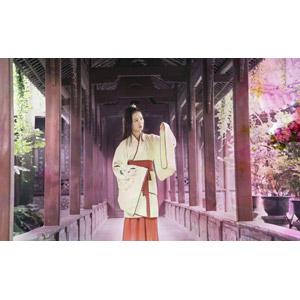 フリー写真, 人物, 女性, アジア人女性, 中国人, 漢服, 回廊, 人と風景