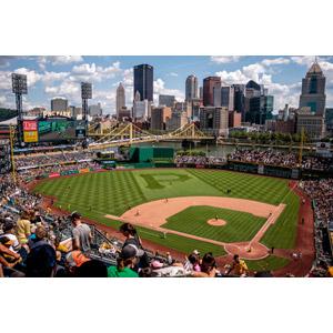 フリー写真, 風景, 建造物, 建築物, 高層ビル, 都市, 街並み(町並み), スポーツ, 球技, 野球(ベースボール), 野球場, 観客, 橋, アメリカの風景, ペンシルベニア州, PNCパーク