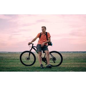 フリー写真, 人物, 男性, 外国人男性, ウクライナ人, 人と乗り物, 乗り物, 自転車, マウンテンバイク