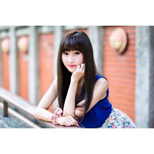 フリー写真, 人物, 女性, アジア人女性, 嚴琪琪(00273), 中国人, 頬杖をつく