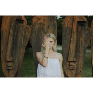 フリー写真, 人物, 女性, 外国人女性, ロシア人, 金髪(ブロンド), 女性(00277), 目を覆う