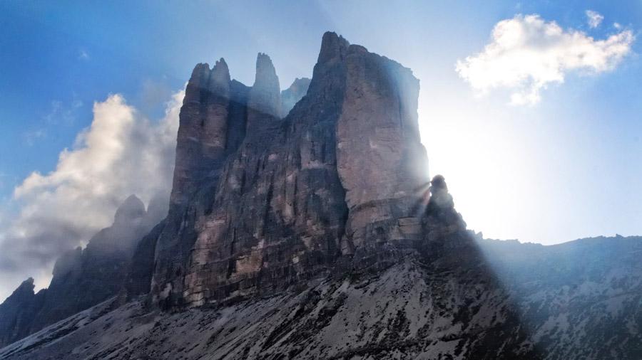 フリー写真 トレ・チーメ・ディ・ラヴァレードの岩峰の風景