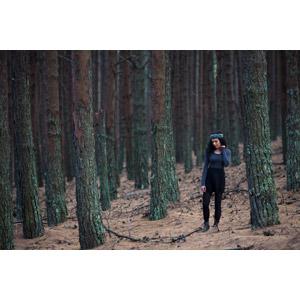 フリー写真, 人物, 女性, 外国人女性, 人と風景, 樹木, 森林