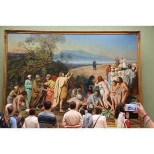 フリー写真, 博物館(美術館), 眺める, 集団(グループ), 写真撮影, 後ろ姿, アレクサンドル・アンドレイェヴィチ・イワノフ, 絵画