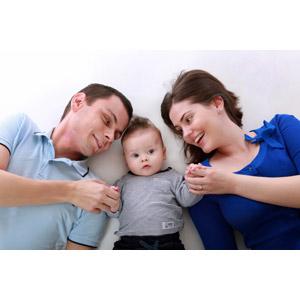 フリー写真, 人物, 家族, 親子, 父親(お父さん), 母親(お母さん), 子供, 赤ちゃん, 三人