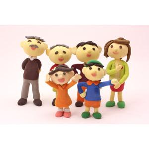フリー写真, 人形, 家族, 親子, 三世代家族, 祖父(おじいさん), 祖母(おばあさん), 父親(お父さん), 母親(お母さん), 娘, 息子