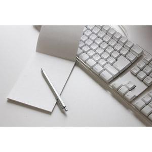 フリー写真, ビジネス, メモ帳, シャープペンシル(シャーペン), キーボード, パソコンの周辺機器
