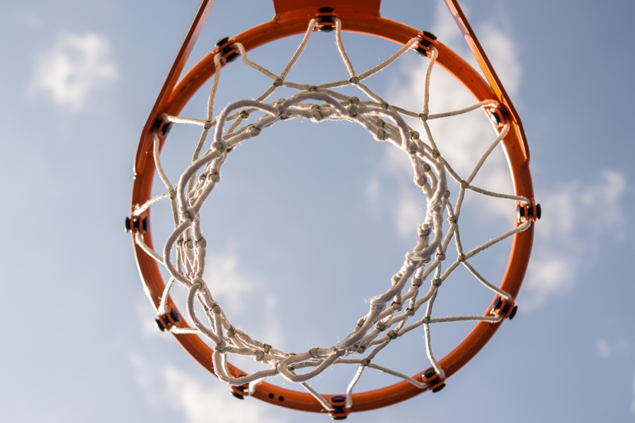 フリー 写真バスケットリングと青空