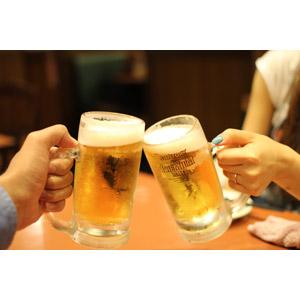 フリー写真, 人体, 手, 飲み物(飲料), お酒, ビール, ビールジョッキ, 飲食店, 居酒屋