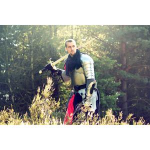 フリー写真, 人物, 男性, 外国人男性, 戦士, 騎士(ナイト), 武器, 剣(ソード), 防具, 鎧(アーマー)