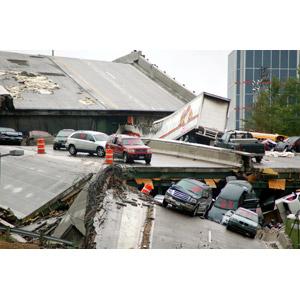 フリー写真, 事故, 崩落(倒壊), 橋, 高速道路, 自動車, 災害