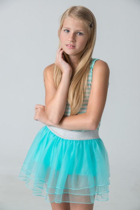 フリー写真 ロシアの少女のポートレイト