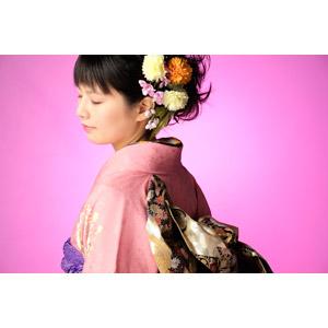 フリー写真, 人物, 女性, アジア人女性, 日本人, 女性(00047), 和服, 着物, 成人式, 正月, 1月, 目を閉じる