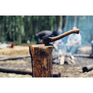 フリー写真, 工具, 手斧, 薪割り, キャンプ, アウトドア, レジャー, 煙(スモーク)