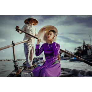 フリー写真, 人物, 女性, アジア人女性, ベトナム人, アオザイ, ノンラー, 二人, 人と乗り物, 船, 渡し船