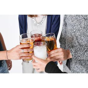フリー写真, 人体, 手, 飲み物(飲料), コップ, 乾杯, 宴会, 合コン(コンパ), 忘年会, 新年会