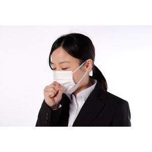 フリー写真, 人物, 女性, アジア人女性, 女性(00083), 日本人, 衛生マスク, ビジネス, 職業, ビジネスウーマン, OL(オフィスレディ), 咳, 病気, 風邪, インフルエンザ, ポニーテール, 白背景