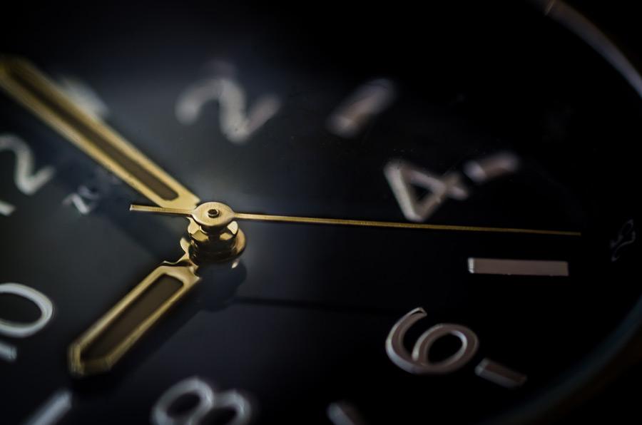フリー写真 腕時計のアップ