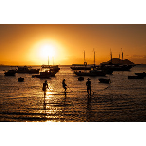 フリー写真, 風景, 人と風景, 乗り物, 船, 漁船, 夕暮れ(夕方), 夕焼け, 夕日, 海, ブラジルの風景