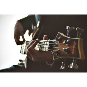 フリー写真, 人体, 手, 音楽, 楽器, 弦楽器, ベースギター, 演奏する