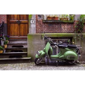 フリー写真, 風景, 乗り物, バイク(オートバイ), スクーター, 住宅, 家(一軒家), レンガ