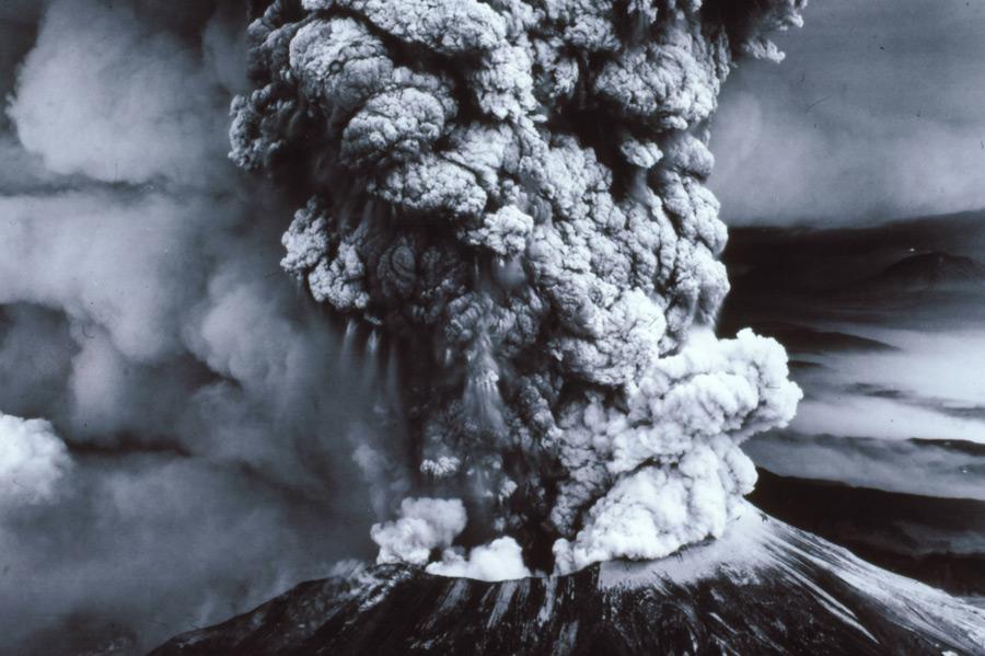 フリー写真 1980年に噴火したセント・ヘレンズ山