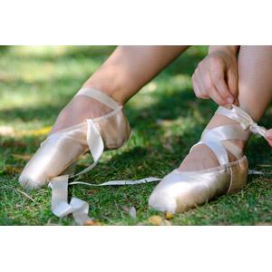 フリー写真, 人体, 足, 靴(シューズ), トウシューズ, バレエ, バレリーナ