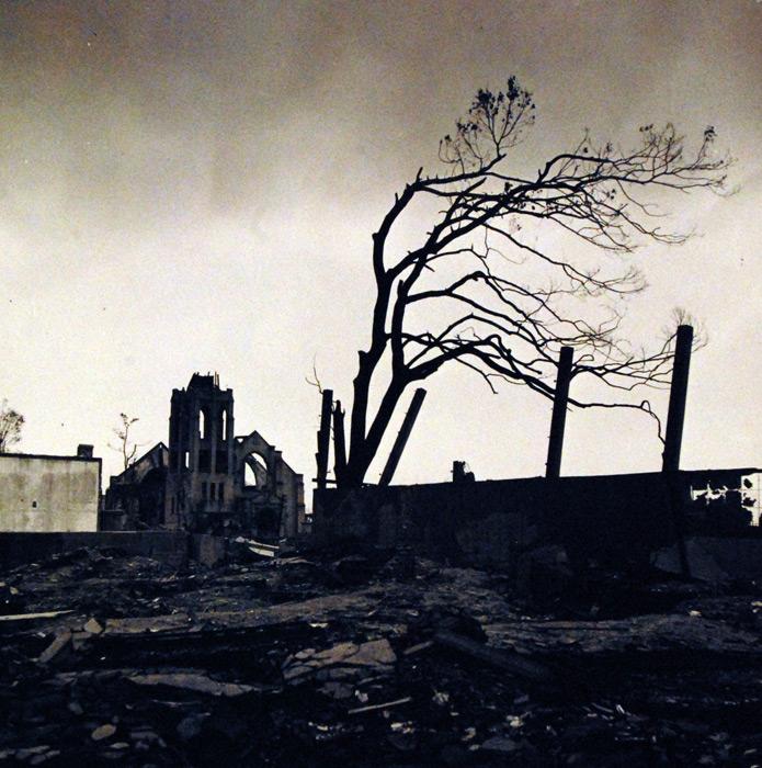 フリー写真 原爆投下後の広島の街の風景