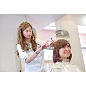 フリー写真, 人物, 女性, アジア人女性, 日本人, 女性(00086), 美容室, 散髪, 職業, 仕事, 美容師, 二人