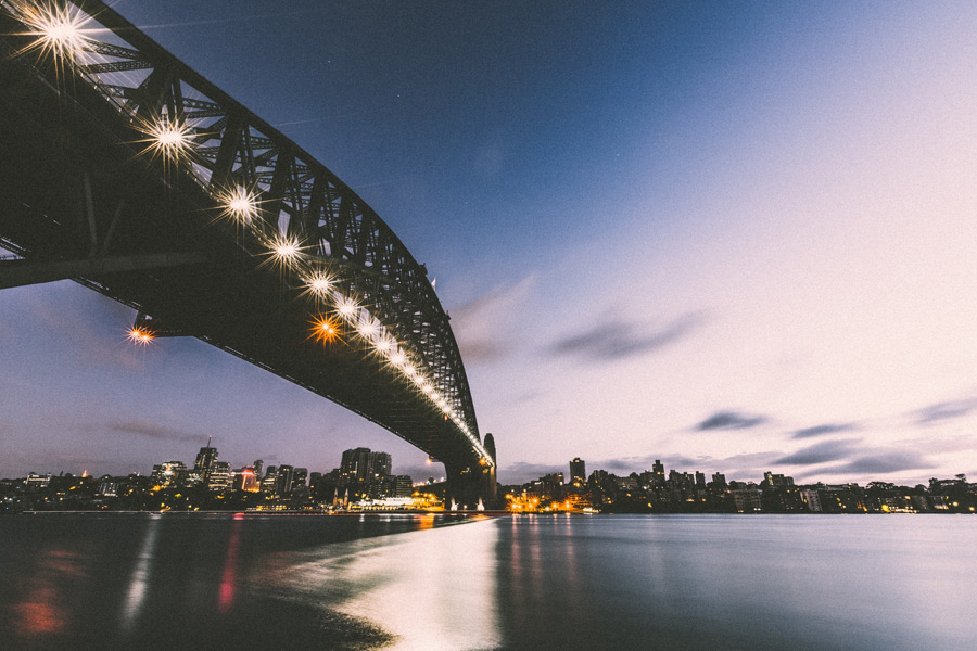 フリー写真 日暮れのシドニーハーバーブリッジ