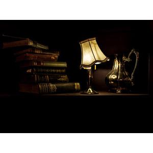 フリー写真, 風景, 本(書籍), 照明器具, 電気スタンド, 水差し