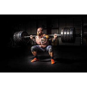 フリー写真, 人物, 男性, 外国人男性, 入れ墨(タトゥー), バーベル, 重量挙げ(ウエイトリフティング), 運動, フィジカルトレーニング