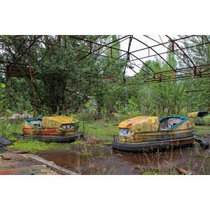 フリー写真, 風景, 建造物, 建築物, 遊園地(テーマパーク), 遊具, 廃墟, ゴーカート, チェルノブイリ原発事故, 災害, 事故, ウクライナの風景, 原子力発電