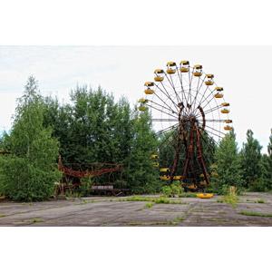 フリー写真, 風景, 建造物, 建築物, 遊園地(テーマパーク), 遊具, 廃墟, 観覧車, チェルノブイリ原発事故, 災害, 事故, ウクライナの風景, 原子力発電