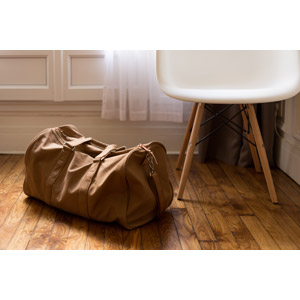 フリー写真, 風景, 部屋, 椅子(イス), 鞄(カバン), ボストンバッグ, 旅行(トラベル)