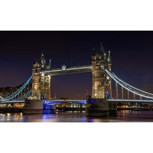 フリー写真, 風景, 建造物, 建築物, 橋, タワーブリッジ, 夜, 夜景, イギリスの風景, ロンドン, テムズ川