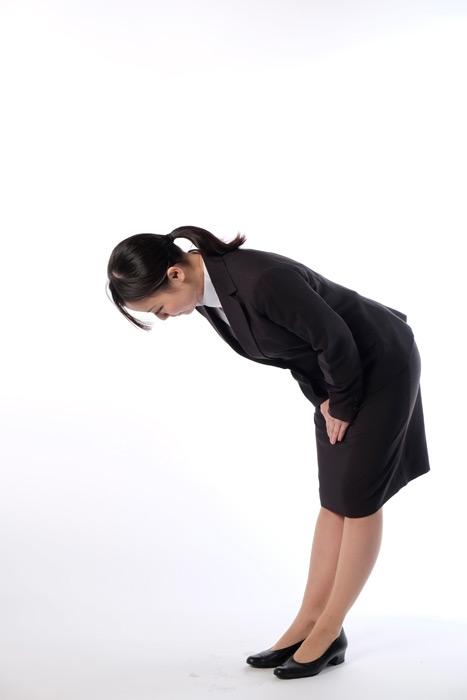 フリー写真 お辞儀している女性社員