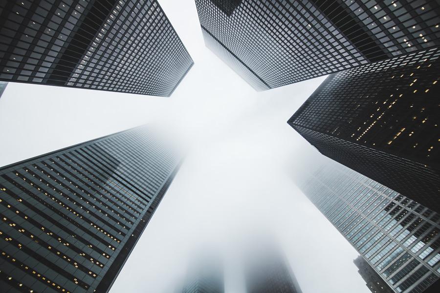 フリー写真 霧のかかるトロントの金融街の風景