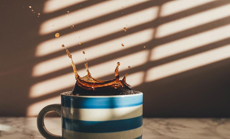 フリー写真 飛び跳ねるコーヒー