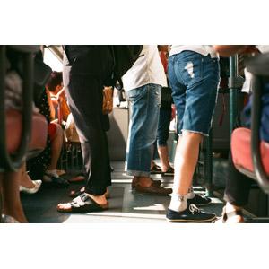 フリー写真, 人物, 人体, 足, 脚, 人込み(人混み), 人と乗り物, バス