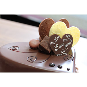フリー写真, 食べ物(食料), 菓子, 洋菓子, スイーツ, ケーキ, チョコレートケーキ, ハート, 年中行事, 2月, バレンタインデー