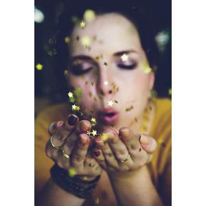 フリー写真, 人物, 女性, 外国人女性, 吹く, 星(スター)