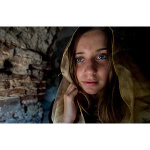 フリー写真, 人物, 少女, 外国の少女, ジョージア人(グルジア人), スカーフ