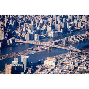 フリー写真, 風景, 建造物, 建築物, 高層ビル, 都市, 街並み(町並み), 河川, 橋, クイーンズボロ橋, アメリカの風景, ニューヨーク