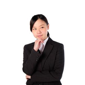 フリー写真, 人物, 女性, アジア人女性, 女性(00083), 日本人, ビジネス, 職業, ビジネスウーマン, OL(オフィスレディ), レディーススーツ, 顎に手を当てる, 考える, 悩む