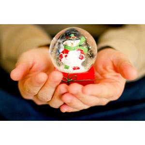 フリー写真, 人体, 手, スノードーム, 冬, 玩具(おもちゃ)